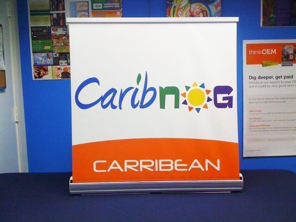 Table-Top-Retractable-Roll-Up-Banner-Stand-BDRTTV23-and-BDRTTV33-1